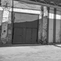 Eine Abdrängung zum Beispiel in entlegene Gewerbegebiete öffnet Nötigung und Gewalt Tür und Tor. (Foto: Fotolia)