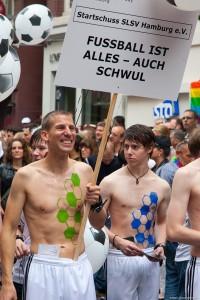 Auch auf dem CSD immer präsent: Carsten Stock (links) und sein Verein. (Foto: Torsten@beyme-wittenbecher.de)