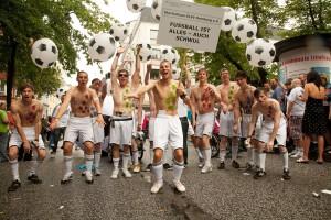 Sorgen nicht nur auf dem Platz für Stimmung: Die Ballboys Hamburg. (Foto:Torsten@beyme-wittenbecher.de)